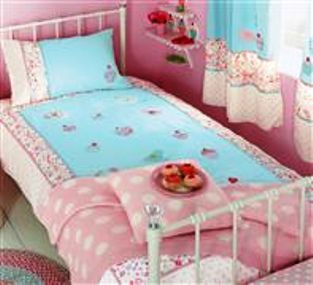 girl s cupcake themed bedroom linens accessories